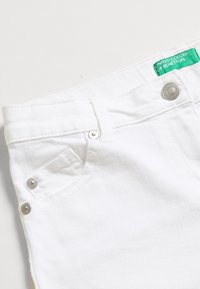 Benetton - Džínové kraťasy - white - 2