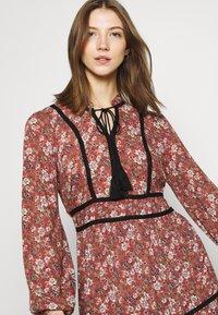 Vero Moda - VMBELLA TIE DRESS - Vestido informal - marsala/bella - 4