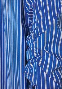 Steffen Schraut - BENITA FASHIONABLE BLOUSE - Button-down blouse - ocean - 2