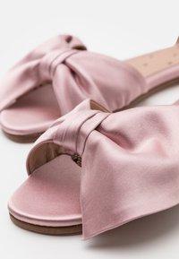 Red V - Sandals - rose baby - 6