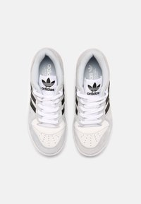adidas Originals - RIVALRY UNISEX - Trainers - white/blue/black - 3