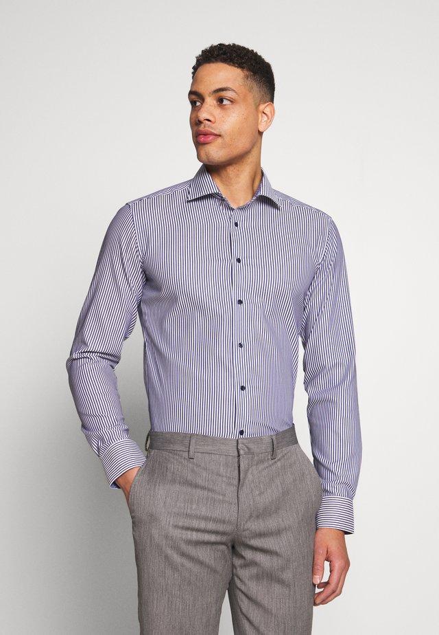 SLIM FIT CLASSIC - Camisa elegante - navy