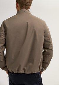 Massimo Dutti - Bomber Jacket - beige - 2
