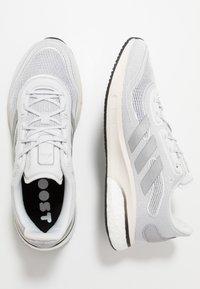 adidas Performance - SUPERNOVA BOOST PRIMEGREEN RUNNING SHOES - Neutrala löparskor - glow grey/core black - 5