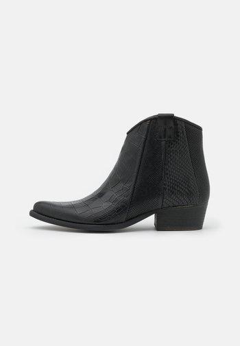WEST - Cowboystøvletter - black