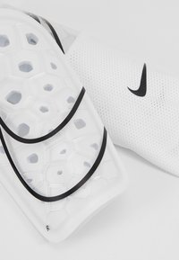 Nike Performance - MERCURIAL LITE - Espinilleras - white/black - 5