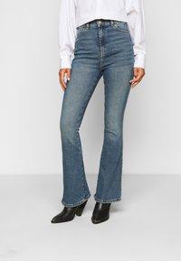 Dr.Denim Petite - MOXY  - Flared Jeans - eastcoast blue - 0