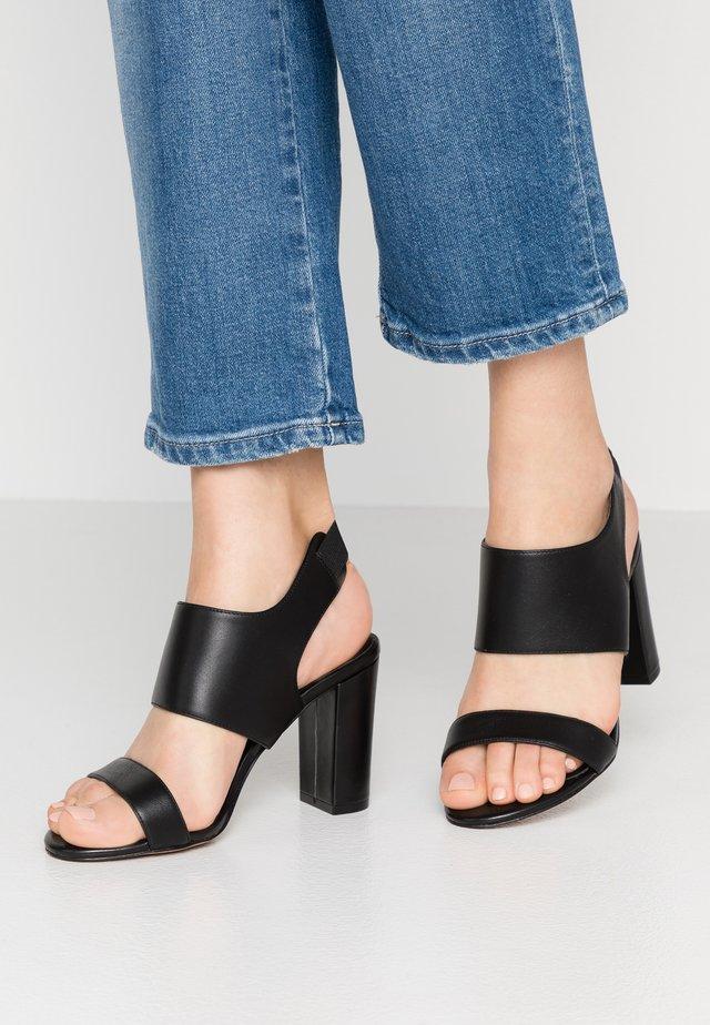 LAKEN - Sandaler med høye hæler - black