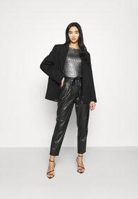 Gina Tricot - JONNA - Bluzka z długim rękawem - black/silver - 1
