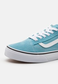 Vans - OLD SKOOL UNISEX - Tenisky - delphinium blue/true white - 5