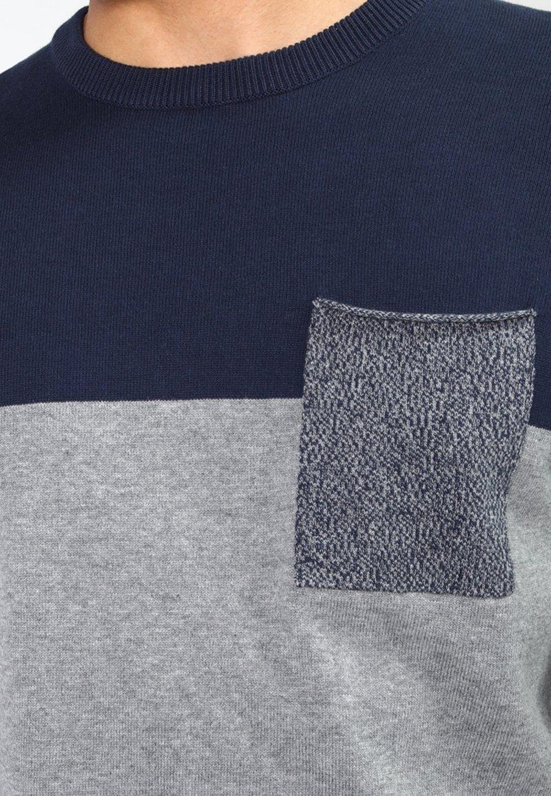 Pier One Strickpullover - mottled grey/dark blue/grau-meliert VCMDze