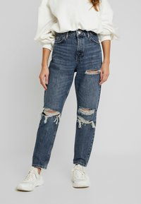 Topshop Petite - TOKYO MOM - Jeans Relaxed Fit - blue denim - 0