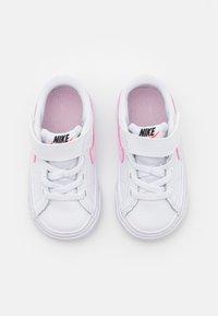 Nike Sportswear - COURT LEGACY  - Trainers - white/pink foam - 3