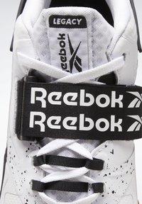 Reebok - LEGACY LIFTER II SHOES - Neutral running shoes - black - 7