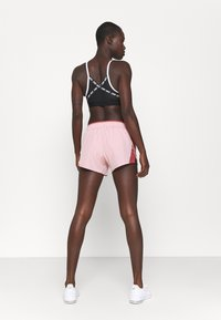 Nike Performance - 10K SHORT - Sports shorts - pink glaze/canyon rust/wolf grey - 2