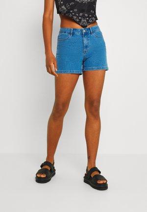 VIDINIA FAYA - Jeansshorts - medium blue denim