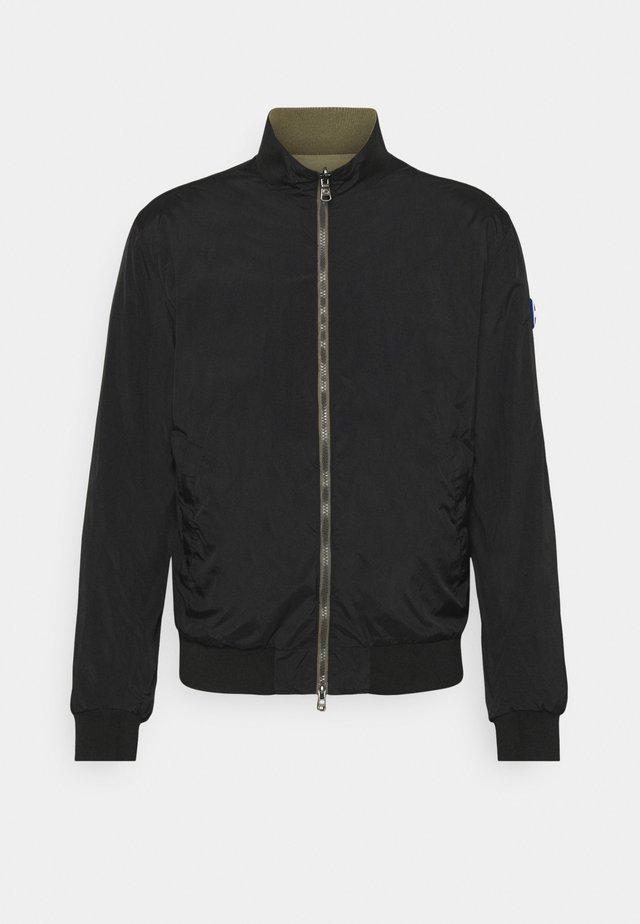 MENS REVERSIBLE - Summer jacket - olive