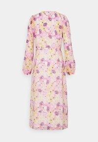 Gina Tricot - SANDRA DRESS - Vapaa-ajan mekko - pink - 1