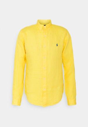 PIECE - Hemd - signal yellow