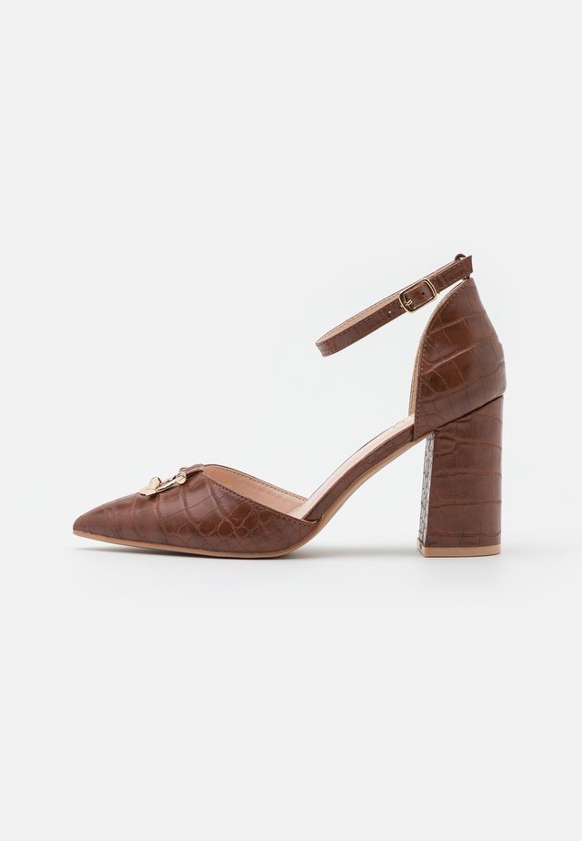 BELLA - Zapatos altos - brown