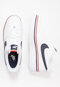 Nike Sportswear - AIR FORCE 1 '07 LV8  - Sneakersy niskie - white/obsidian/habanero red - 1