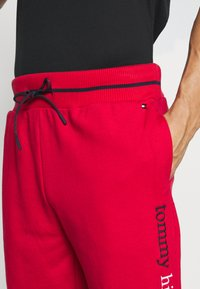 Tommy Hilfiger - Pyjamabroek - red - 4