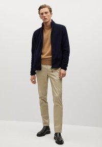 Mango - FLUFFY - Fleece jacket - dunkles marineblau - 1