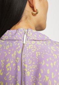 Closet - HIGH NECK MINI DRESS - Korte jurk - purple - 4