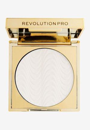 PERFECTING PRESSED POWDER TRANSLUCENT - Setting spray & powder - -
