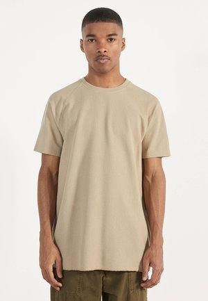 MIT WAFFELGEWEBE - T-shirts basic - beige