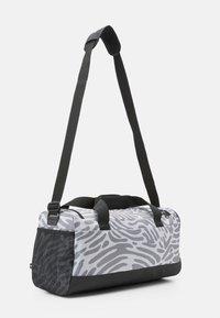 adidas Performance - DUFFEL - Sportovní taška - black/white - 2
