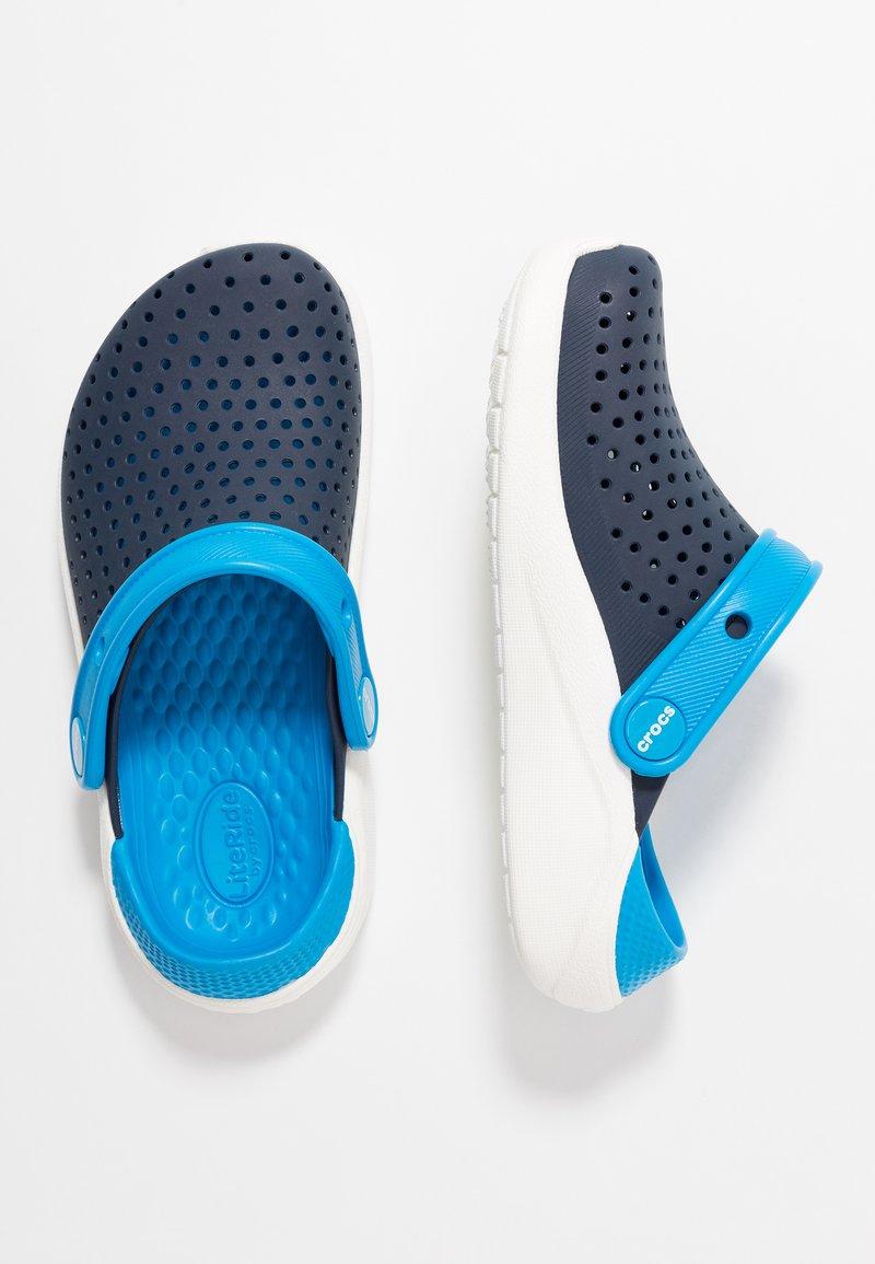 Crocs - LITERIDE - Pool slides - navy/white