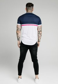 SIKSILK - FADE PANEL RETRO STRIPE TEE - Print T-shirt - grey/pink/white - 2