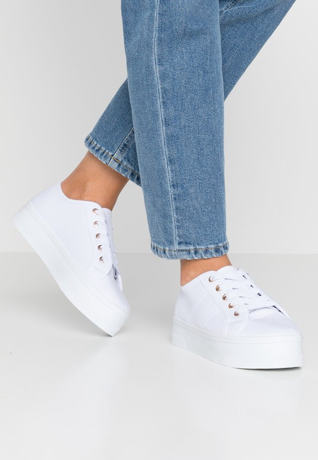 WILLOW PLATFORM - Sneakers laag - bright white