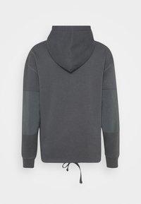 Levi's® - DRAWCORD HEM HOODIE - Sweatshirt - greys - 9
