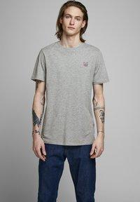 Jack & Jones - T-shirt - bas - light grey melange - 0