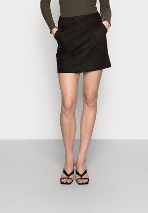 VMDONNADINA SHORT SKIRT - Pouzdrová sukně - black