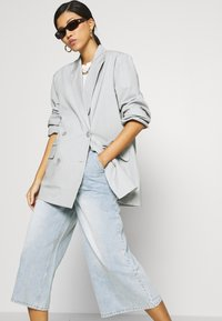 Who What Wear - CULOTTE - Relaxed fit jeans - fade into - 3