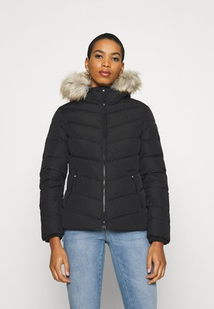 SHORT FITTED PUFFER - Bunda z prachového peří - black