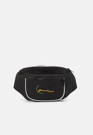 SIGNATURE TAPE WAIST BAG UNISEX - Bum bag - black