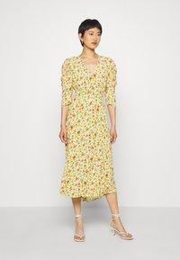 Ghost - MIRA DRESS - Robe de soirée - yellow - 0