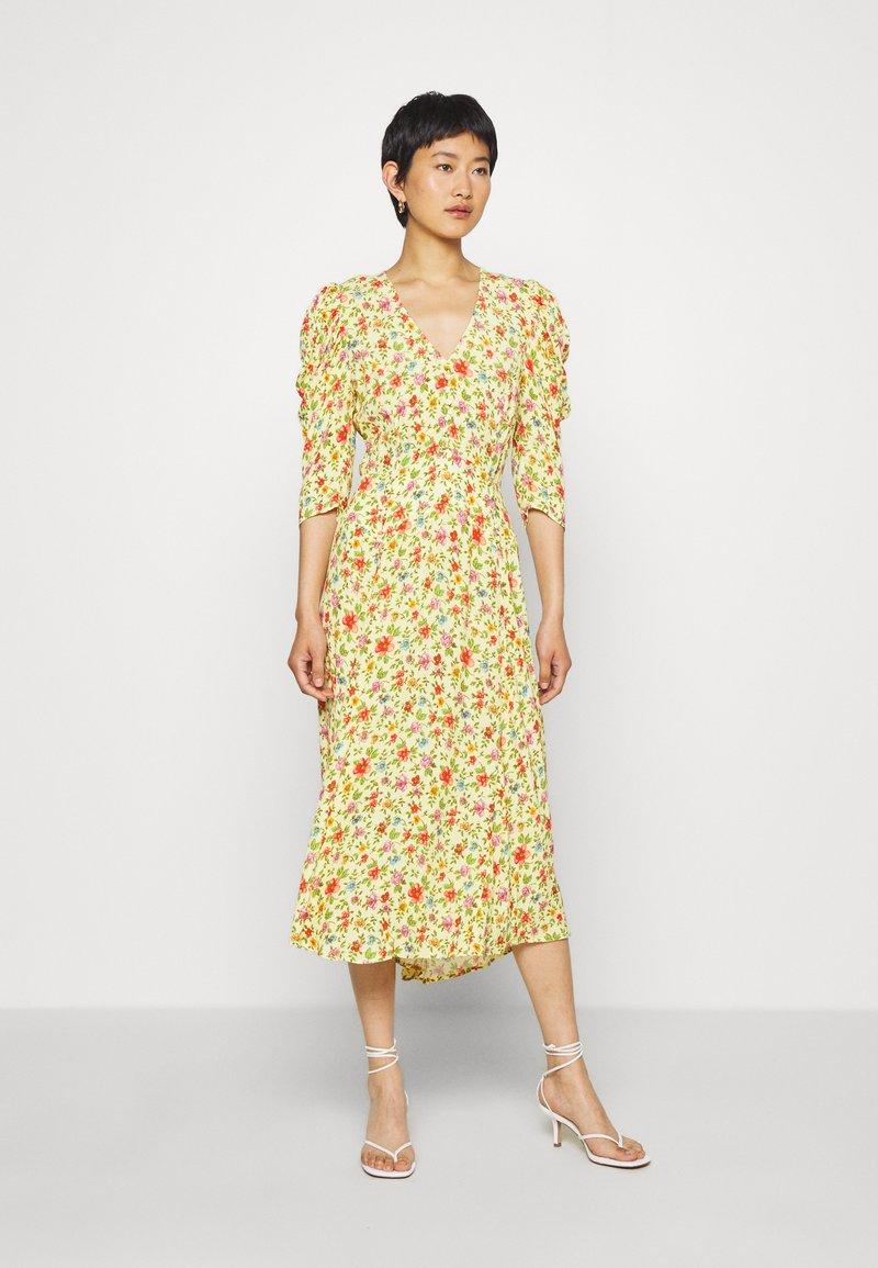 Ghost - MIRA DRESS - Robe de soirée - yellow