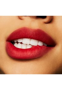 MAC - POWDER KISS LIPSTICK - Lipstick - yo're buggin', lady - 1