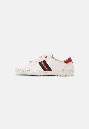 BALI - Sneakersy niskie - white/red