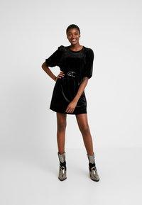 Monki - TIBBY DRESS - Robe d'été - black dark - 2