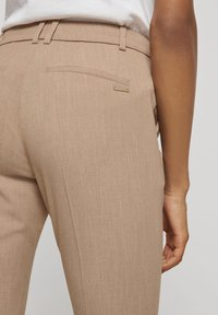 mine to five TOM TAILOR - MIT BUNDFALTEN - Chinos - camel melange - 3
