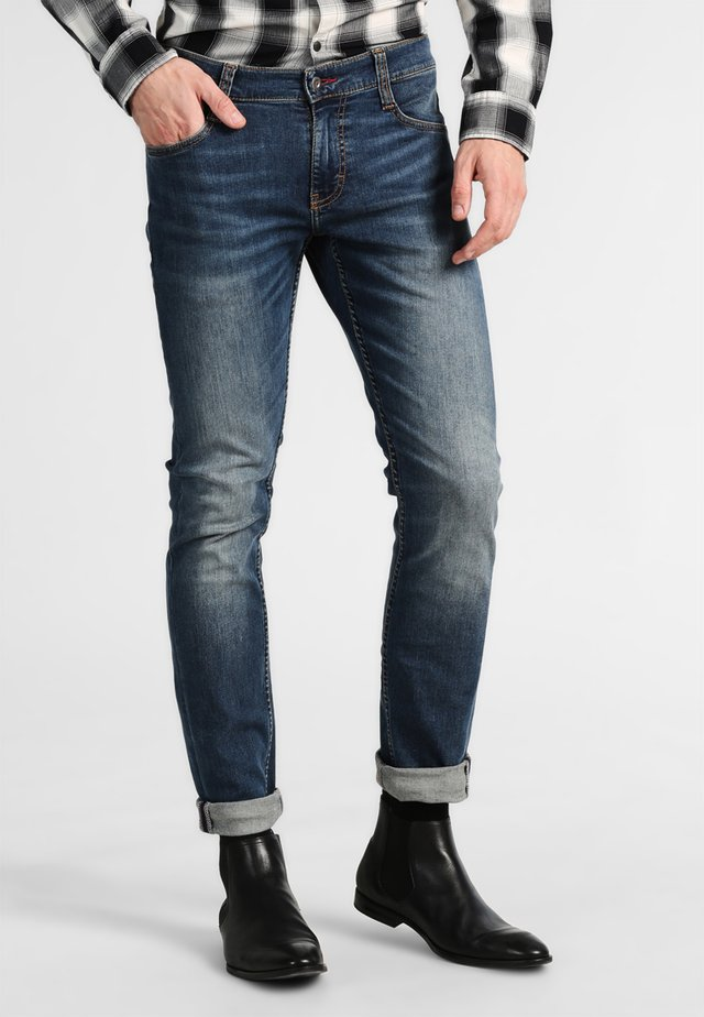 OREGON TAPERED - Jeansy Slim Fit - stone washed