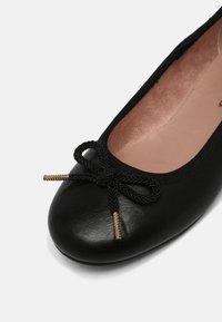 Tamaris - Ballerina's - black - 7