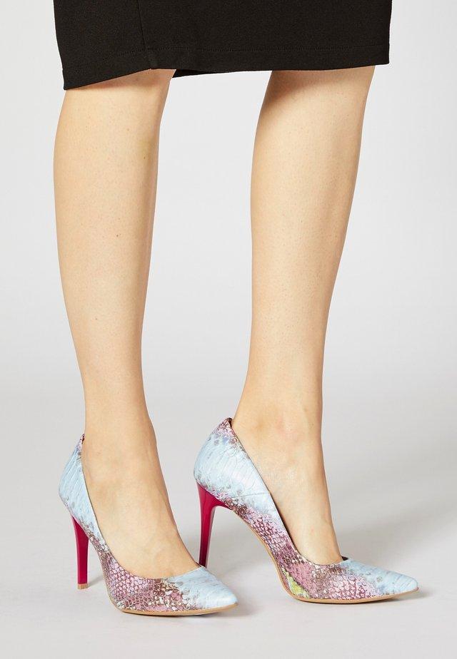 Zapatos altos - rosa