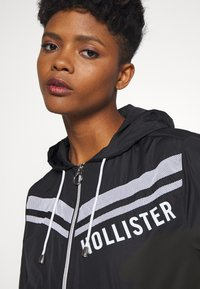 Hollister Co. - Windbreaker - black - 3